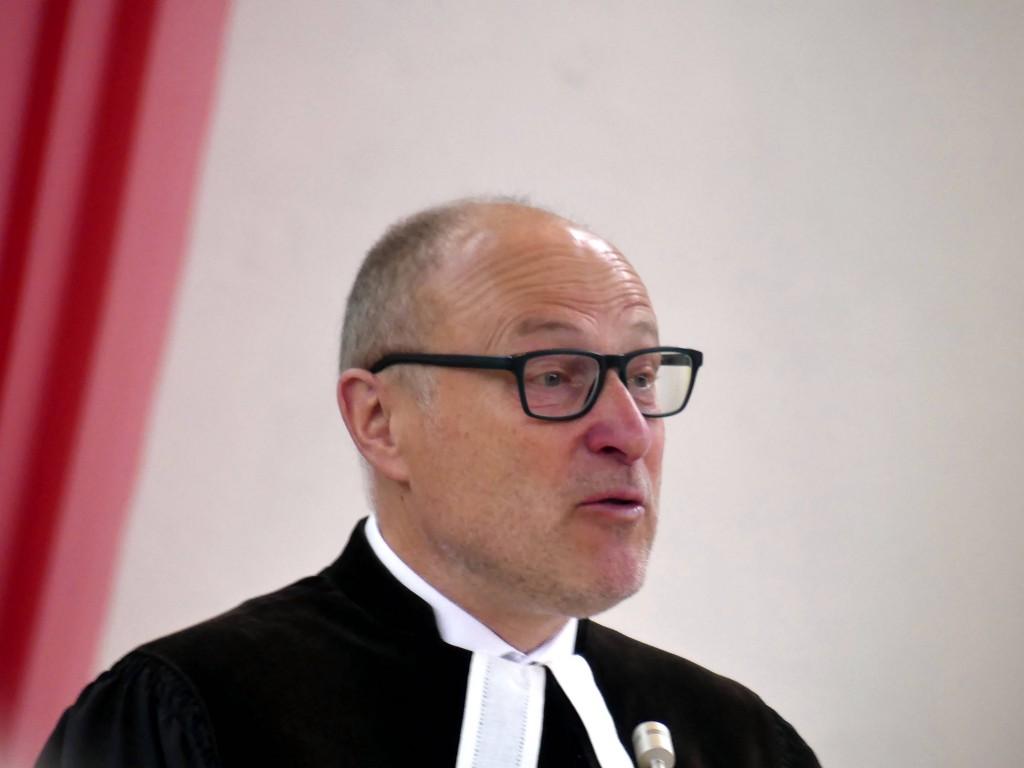 Pfarrer Dr. Schindler,