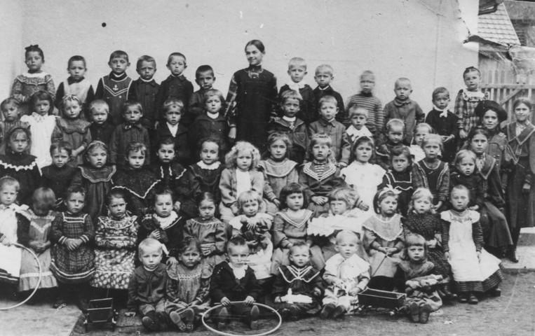 1905 - ein ganz frühes Bild aus der Pfarrgasse