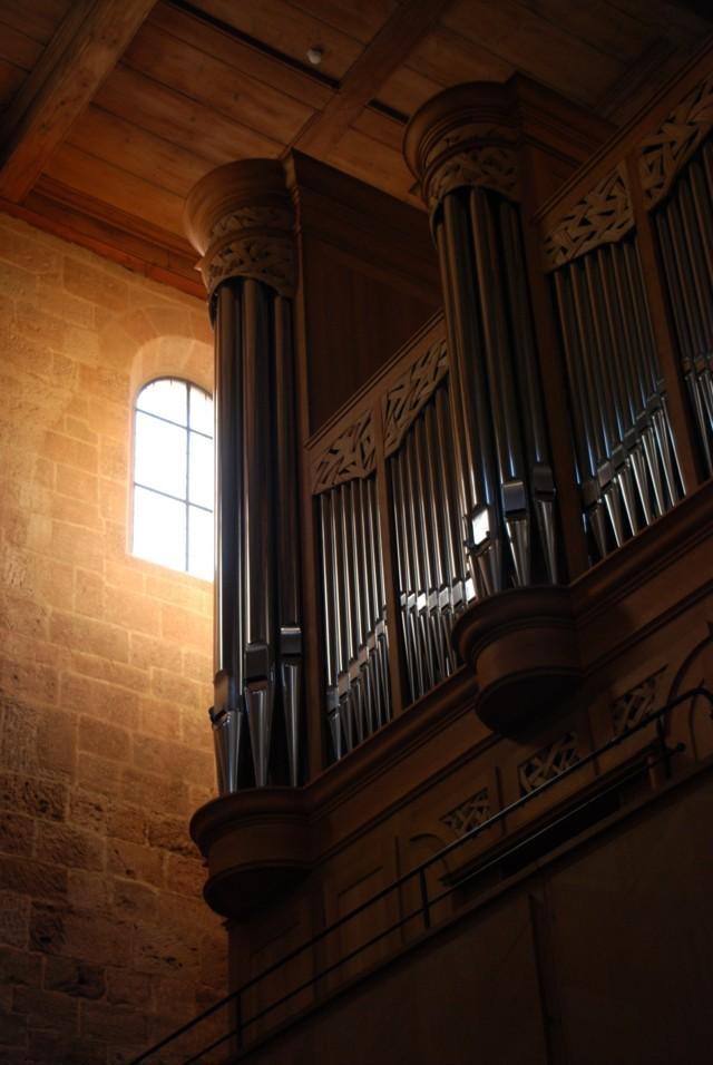 Morgenlicht neben der Orgel